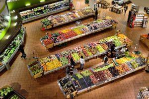 Supermarché proche lac de Trémelin